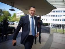 KLM-topman Pieter Elbers: held in Holland, paria in Parijs