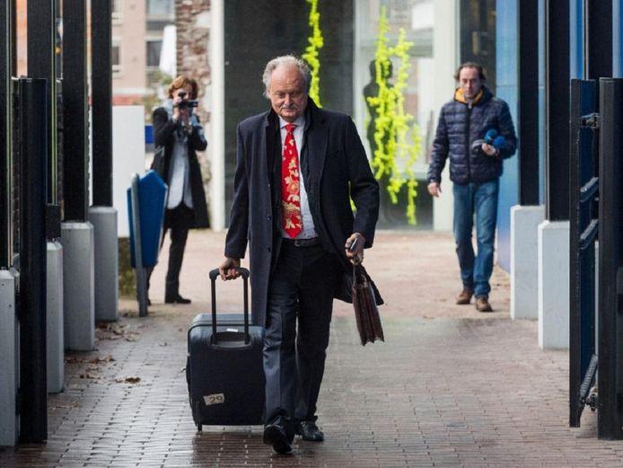 Ger Visser komt aan bij de rechtbank in Almelo tijdens een eerdere zitting.