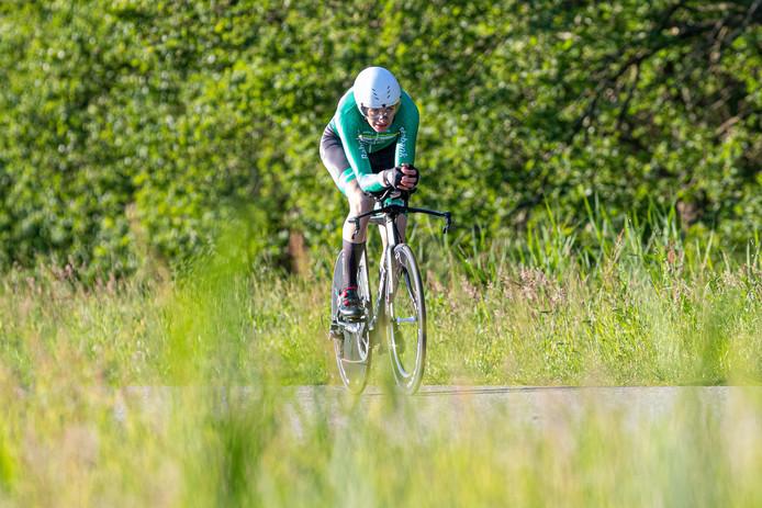 Robin Löwik tweede in tijdrit topcompetitie Emmen