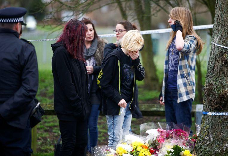 De plek bij de Saint Neots speeltuin in Harold Hill, oost-Londen, waar de 17-jarige Jodie Chesney werd doodgestoken.  Beeld REUTERS