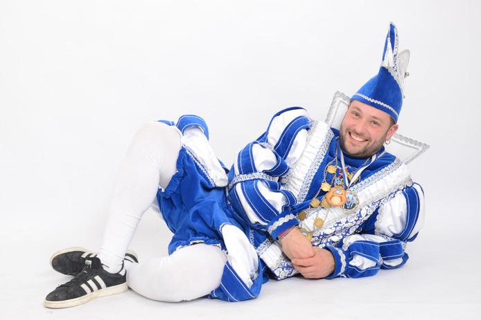 Prins Ferdinand de Eerste van carnavalsvereniging de 11jes uit Nieuw-Dijk.