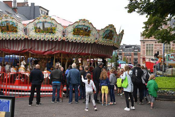 Kinderdag Arthur Dewit op de kermis in Leuven krijgt ook steun van de Leuvense cafés De Leivese Ton en Den Beiaard.