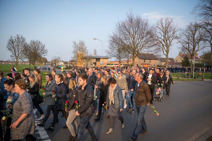 stille tocht elburg ter nagedachtenis aan Michiel Schut overleden door mishandeling in Den Ham