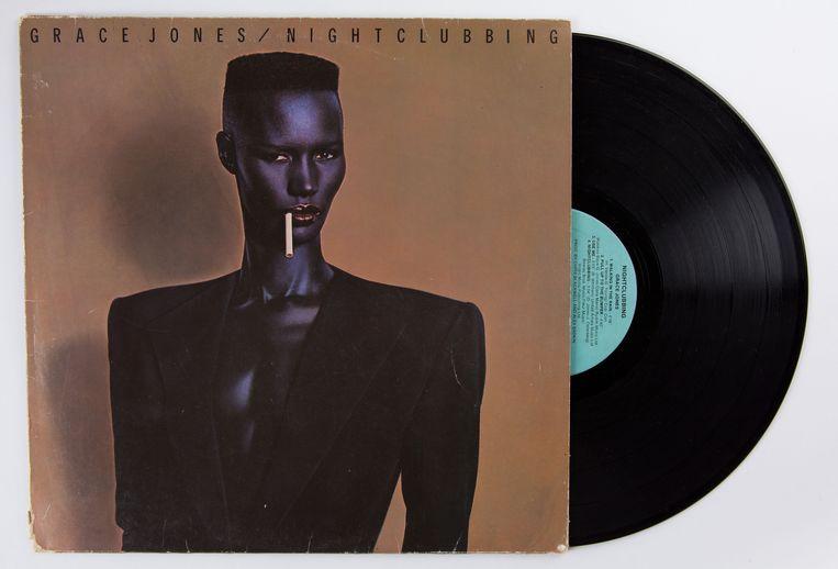 De hoes van Grace Jones' album Nightclubbing Beeld null