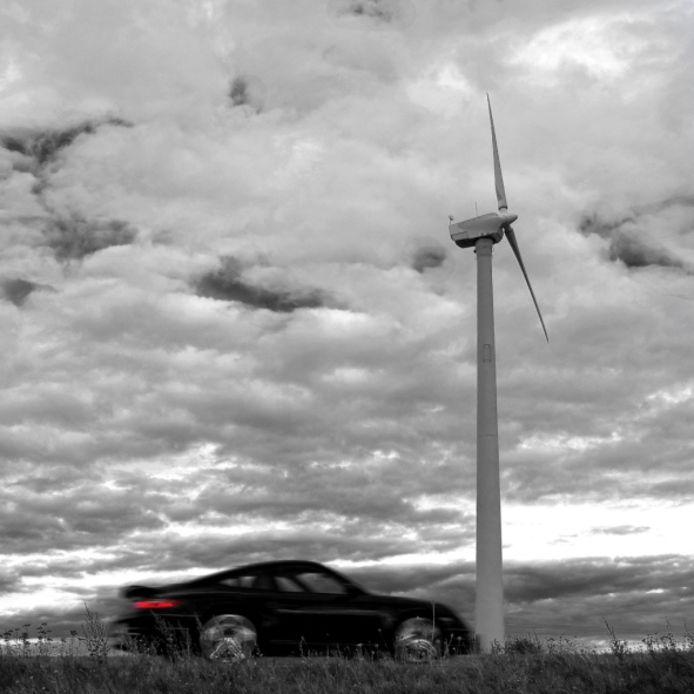 ,,De windmoleneigenaar reed binnen een half jaar in een Porsche, terwijl zijn buren met de lasten zaten.''