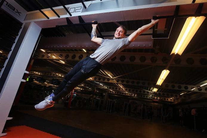 Klaas Wingelaar legde het ingewikkelde hindernisparcours af als een echte 'ninja' in een knappe tijd van 3,29 minuten.