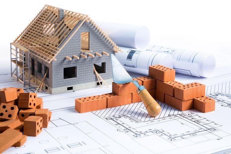 Wie een lening wil nemen om een huis te bouwen, wordt met extra kosten geconfronteerd.