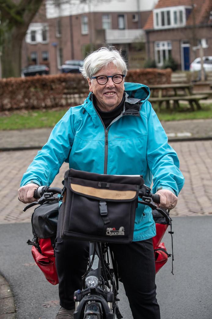 Willemien Reinking-Jonxis, gaat de hele Elbe af fietsen in haar eentje, om geld te verzamelen voor goed doel.