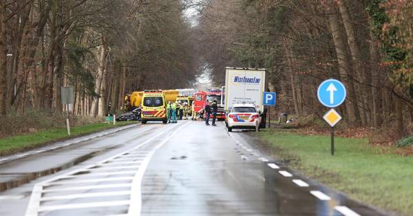Ernstig ongeluk op N35 bij Raalte: weg tot na avondspits dicht.