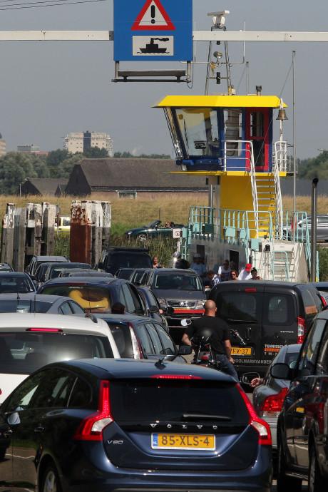 Kleinere pont op Spui: kans op vertragingen