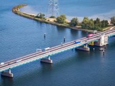 Haringvlietbrug moet vanwege onderhoud meerdere nachten helemaal op slot