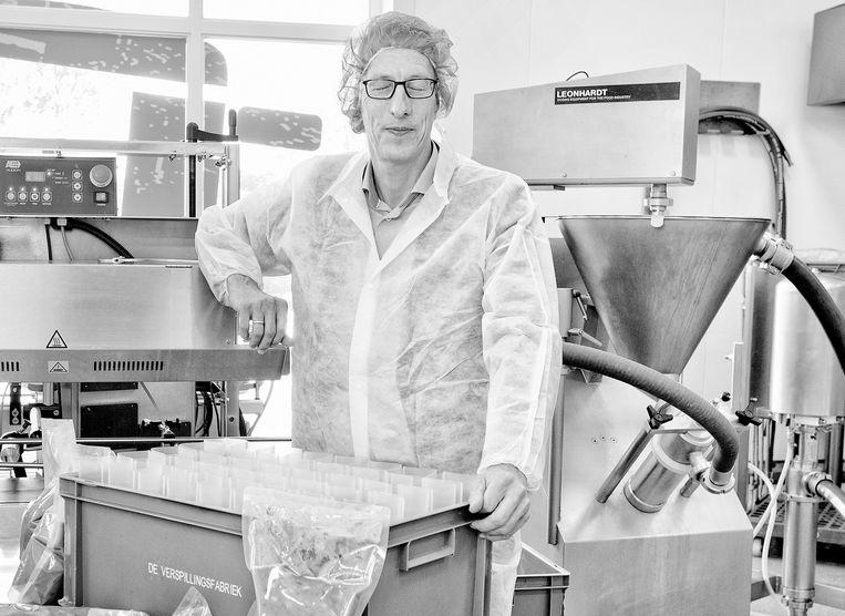 Toine Timmermans (1965) reist de hele wereld over als voedselverspillingsexpert Beeld Jörgen Caris