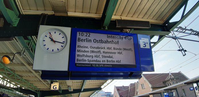 Instappen op station Deventer en vijf uur later uitstappen in hartje Berlijn.