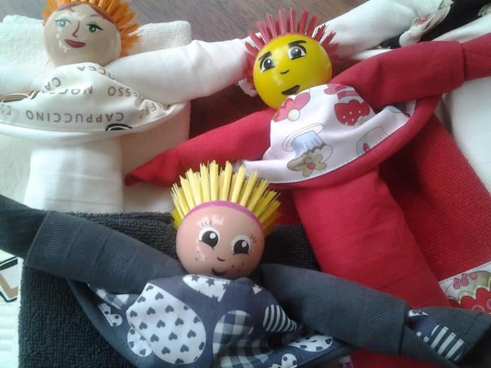Handgemaakte baby-en kleuterartikelen van Vrouwenvereniging TAA.