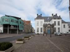 Serious Request van Groenmarkt naar 's-Gravenhof; cafés trekken handen af van silent disco
