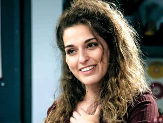 'Familie'-actrice Idalie Samad speelt mee in nieuwe videoclip Clouseau