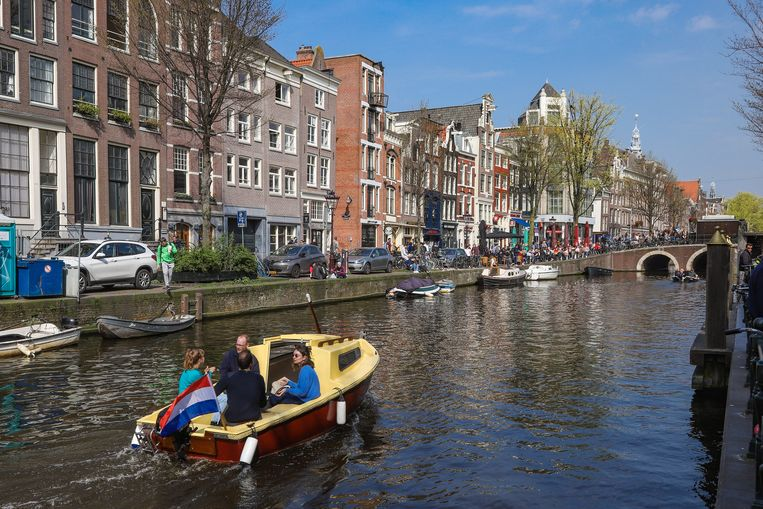 Een schipper in Amsterdam zou minstens twee jaar ervaring moeten hebben. Beeld Getty Images