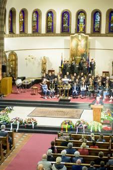 Indrukwekkende Brabantse dodenherdenking in Waalrese kerk