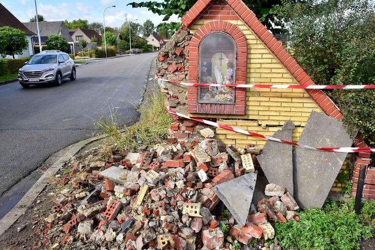 Het oude kapelletje werd zwaar vernield.