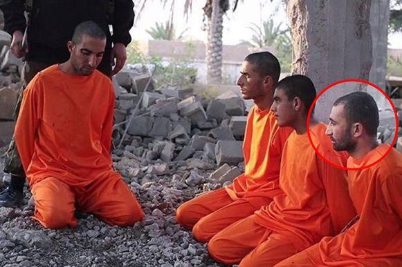 Ani Hussein Mosa zit hier uiterst rechts.