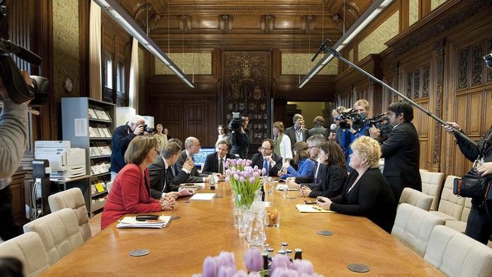 Helft bedrijven vreest gevolgen crisisakkoord binnenland - Kamer vreest ...