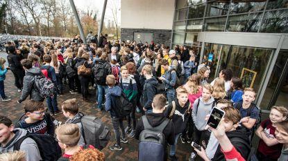 Nederlandse leerkracht die porno keek in de klas gaat verplicht op pensioen