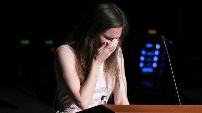 """VIDEO. Amanda Knox (31) barst in tranen uit bij terugkeer naar Italië: """"Bang voor nieuwe beschuldigingen"""""""