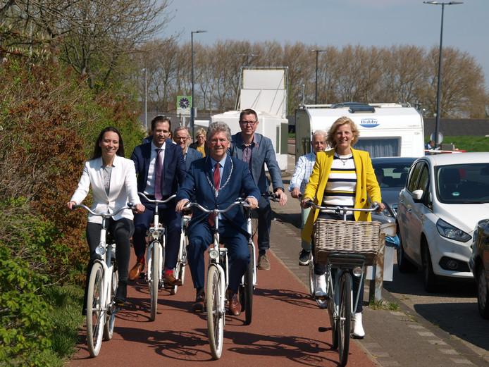 De lancering van de samenwerking voor Route NL met burgmeester Edo Haan van Maassluis samen met wethouder Fred Voskamp (Maassluis), Karin Zwinkels (Westland), Sonja Smit (Midden-Delfland), Bart Bikkers (Vlaardingen) en Stef Polman (Hoek van Holland – gemeente Rotterdam)
