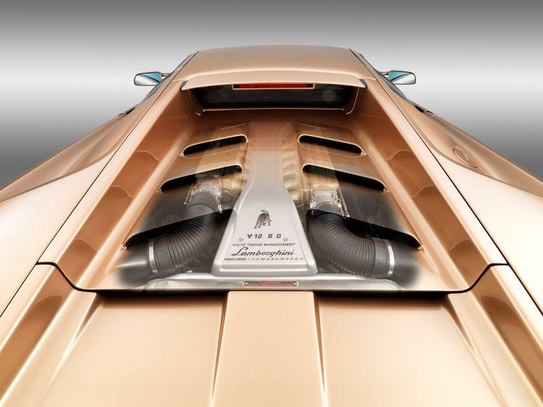 De achterkant van een Lamborghini Diablo.