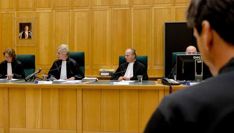 Rechter E.M.J. Raeijmaekers, voorzitter M.A. Waals en rechter Thijs van de Woestijne bij aanvang van de zaak in de rechtbank van Den Bosch rondom juwelier Willy S. uit Deurne. Beeld anp