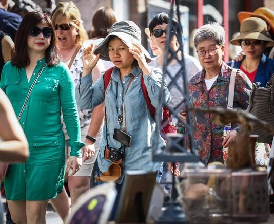 Voor Chinezen is de antiekmarkt een geliefkoosde stop tijdens hun reis in België.