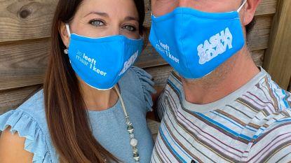 """Sasha & Davy lanceren naast nieuwe single ook mondmaskers: """"Zo hangen we letterlijk aan de lippen van onze fans"""""""