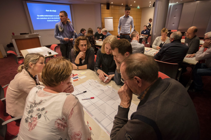 In zes workshops werden bezoekers geïnformeerd over uiteenlopende onderwerpen met betrekking tot Eindhoven Airport.