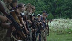 In dit zomerkamp leren Oekraïense kinderen hoe ze Russen moeten doden