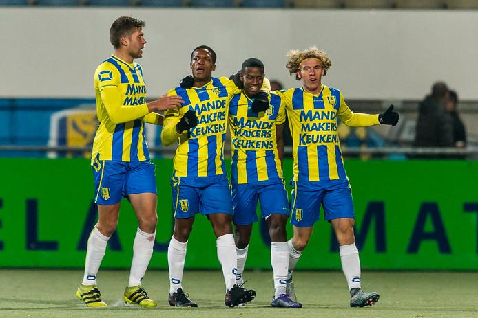 Vreugde na treffer van RKC Waalwijk-speler Serginho Greene tegen Helmond Sport