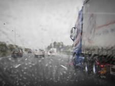 Regenachtig weer zorgt voor drukke avondspits: 600 kilometer op hoogtepunt
