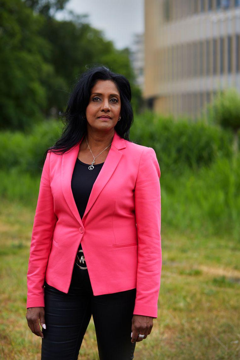 Nazima Ramdin (1968), communicatiemanager en zelfstandig ondernemer. Beeld Chris en Marjan