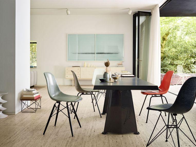 De Fiberglass Chairs van Eames.