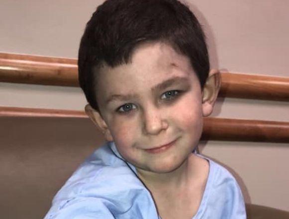 De 5-jarige Noah uit de Amerikaanse staat Georgia werd uitgeroepen tot erelid van de brandweer.