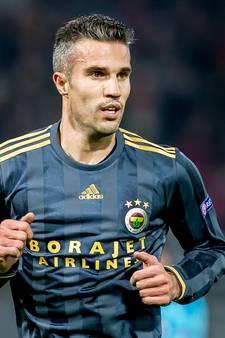 Van Bronckhorst hoopt op Van Persie: 'We willen heel graag'
