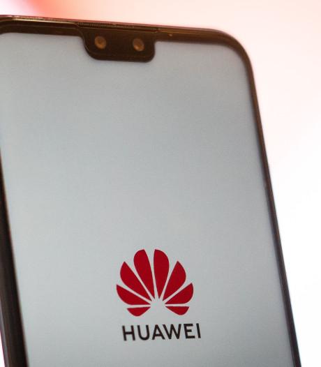 Huawei s'excuse pour des publicités intempestives sur les fonds d'écran de ses smartphones