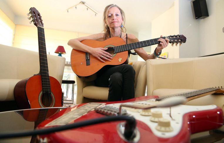 Julie Detavernier werd niet gespaard door het leven, muziek is haar therapie.