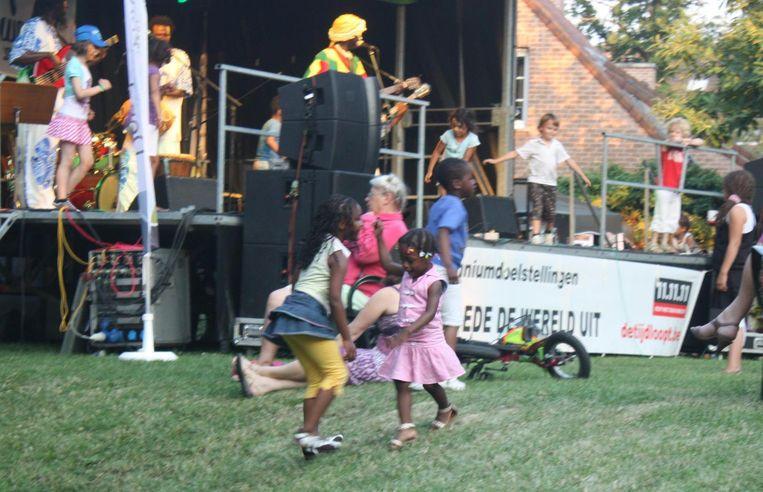 'Denderleeuw Kleurt', een multicultureel feest dat begon als een zelfstandig initiatief van een groep vrijwilligers, werd de voorbije jaren flink gesteund door de gemeente.