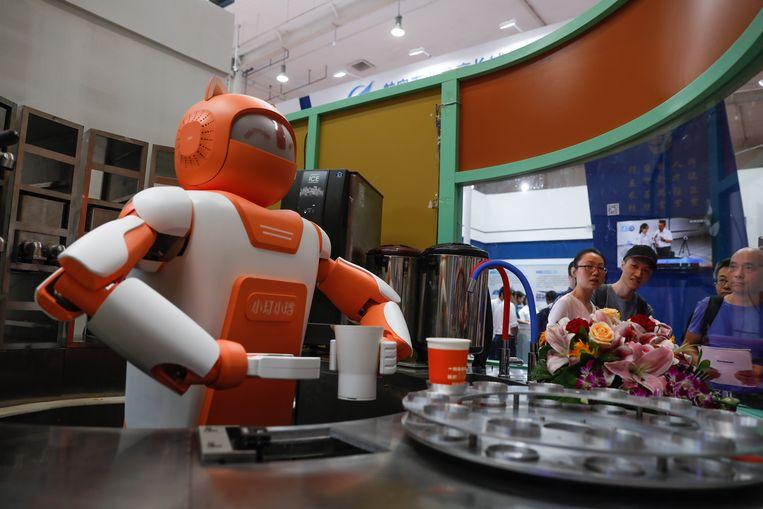 Deze robot maakt drankjes.