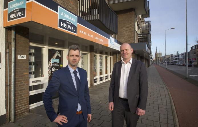Ton Peters (links) en Bas Teeuwen van Adriaan van den Heuvel Makelaars voor de nieuwe vestiging aan de Aalsterweg in Eindhoven.