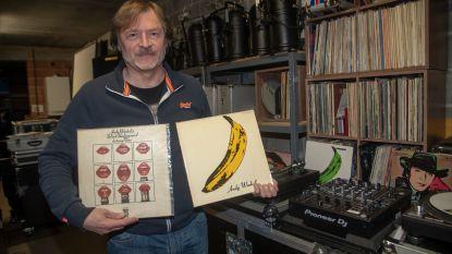 """Wetteraar biedt platenhoezen van Andy Warhol aan in Stukken van Mensen op Vier: """"Elf stuks heb ik dubbel"""""""
