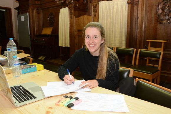 """Eline Van Hunsel is blij dat ze in groep kan studeren: """"Thuis ben ik te snel afgeleid."""""""