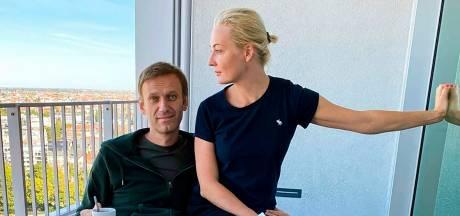 Navalny verlaat ziekenhuis: 'Poetin vertelde Macron dat ik mezelf heb vergiftigd'