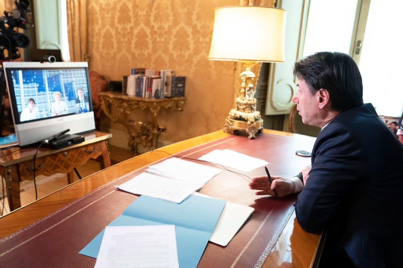 Ook de Italiaanse premier doet aan videoconferencing