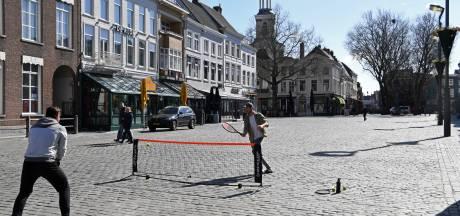 Suus, Ivo en Sanne pakken straks weer een terrasje in Breda, maar wel onder voorwaarden